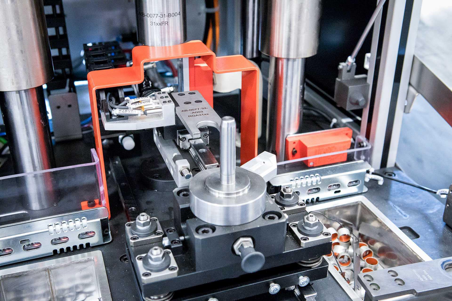Automatyzacja produkcji i urządzenia specjalne