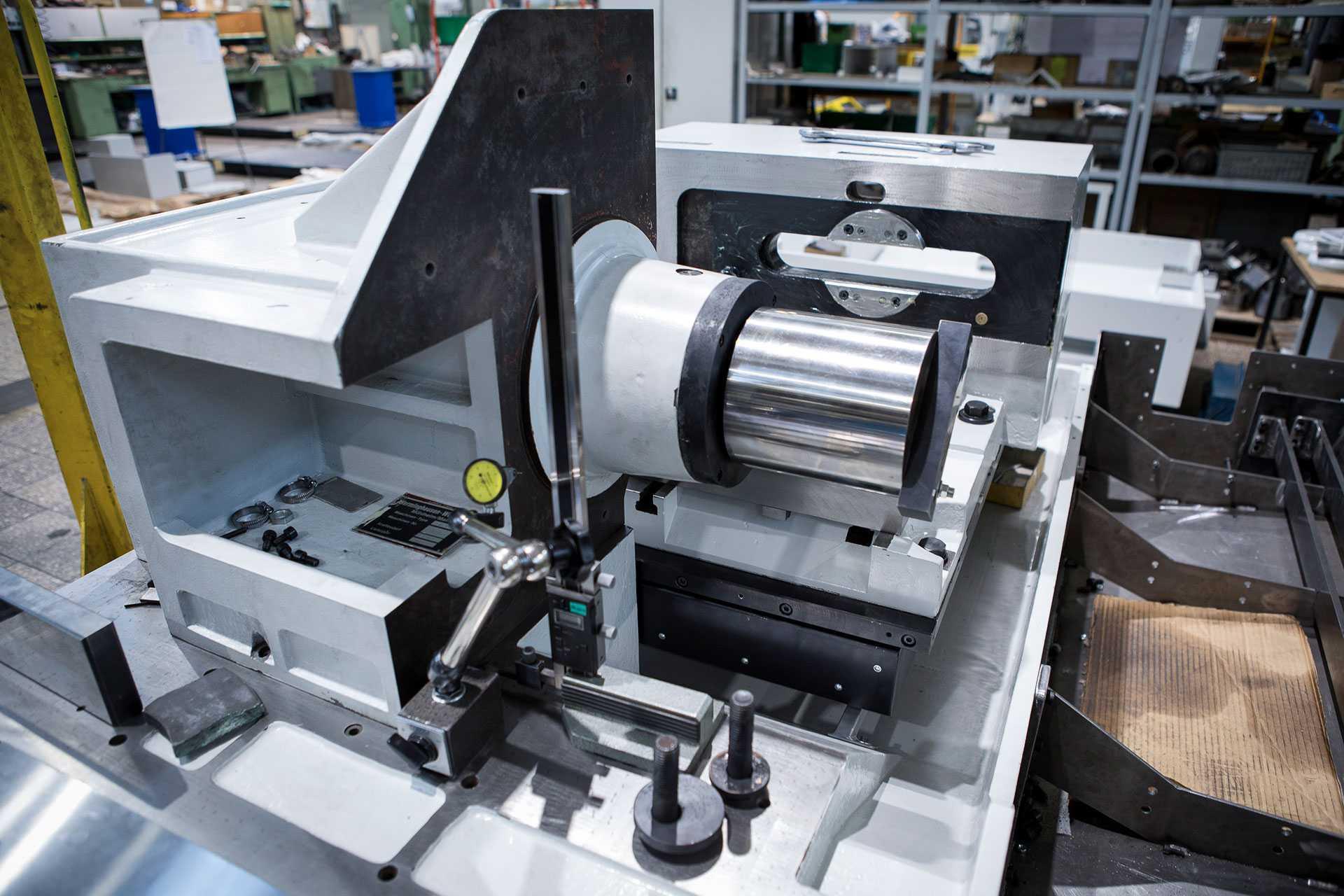 Bau, Überholung und Modernisierung von Maschinen